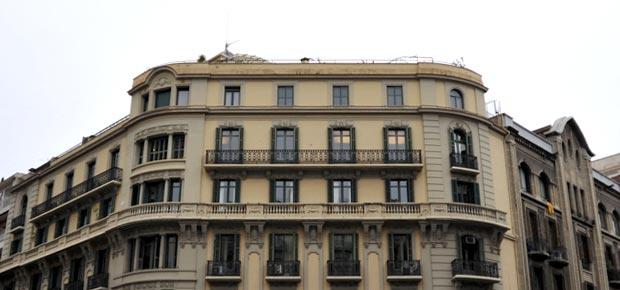 El bufete de abogados de Barcelona Bufet Colls tiene sus oficinas desde 1956 en la calle Roger de Llúria junto Av. Diagonal y Passeig de Gràcia
