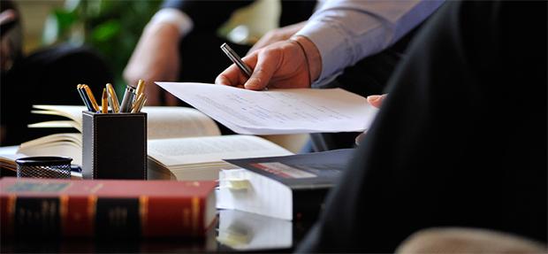 El bufete de abogados de Barcelona Bufet Colls dispone de abogados inmobiliarios con experiencia en contratos de compra-venta y arrendamientos